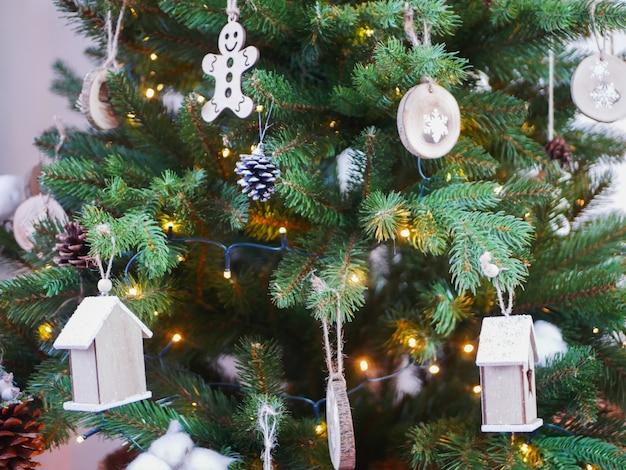 Новогодний ретро-декор в домашней уютной атмосфере