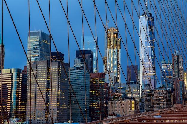 밤에 뉴욕시 맨해튼 시내 스카이 라인