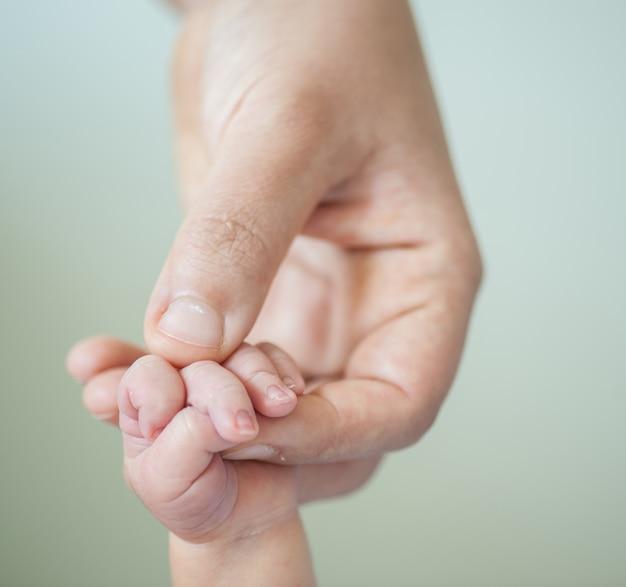 Новорожденный ребенок первый день