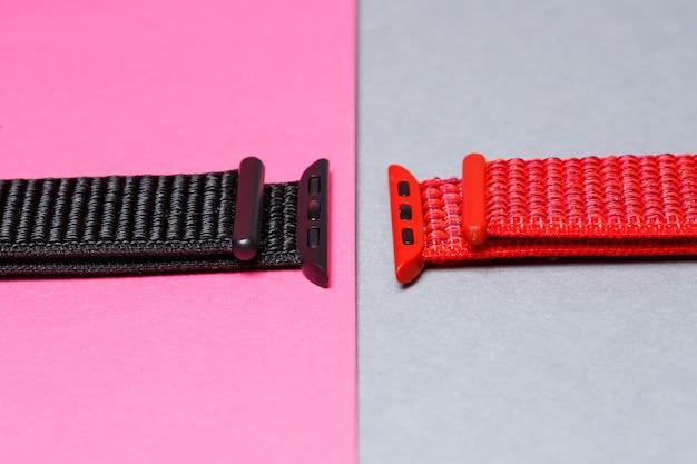 ベルクロブラックカラーのスマートウォッチ用ネイロンストラップ