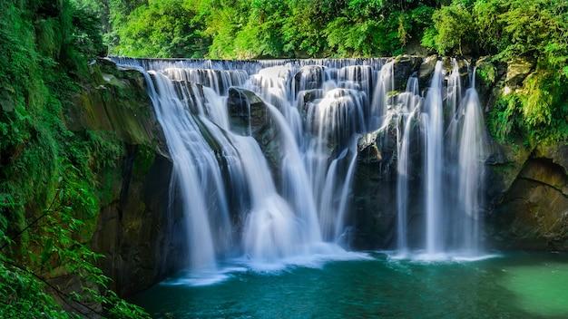 Ниагарский водопад тайваня