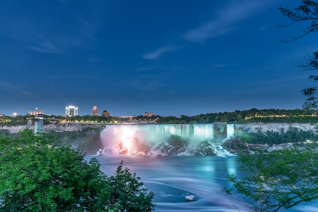 Niagara waterfall at night