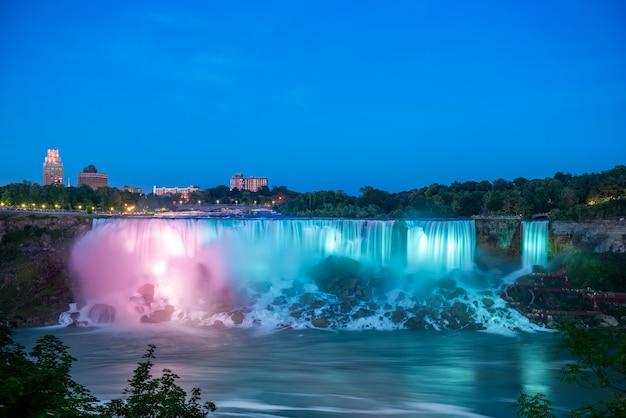 Niagara waterfalls at night
