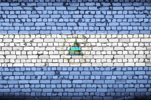 ニカラグアの国旗は古いレンガの壁に描かれています