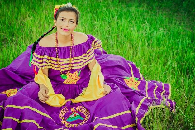ニカラグアの民族衣装の女性、ニカラグアの民族衣装の女性