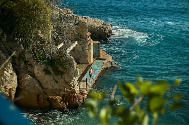 Ницца, франция, 26 февраля 2020 года: хороший пляж и море