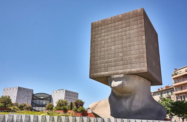 니스, 프랑스 2020년 2월 26일: 니스 기념비의 tete carree
