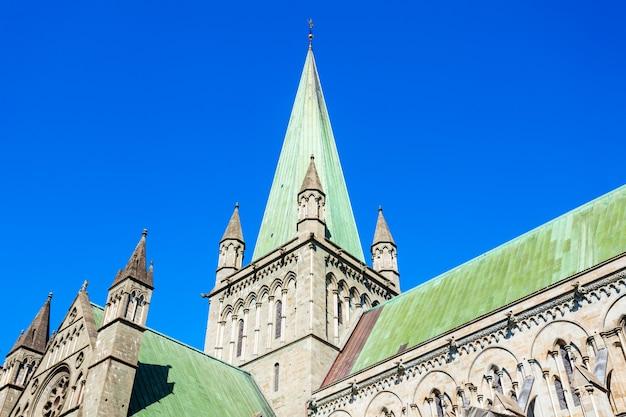 Nidaros cathedral 또는 nidarosdomen 또는 nidaros domkirke는 노르웨이 트론헤임시에 위치한 노르웨이 성당입니다.