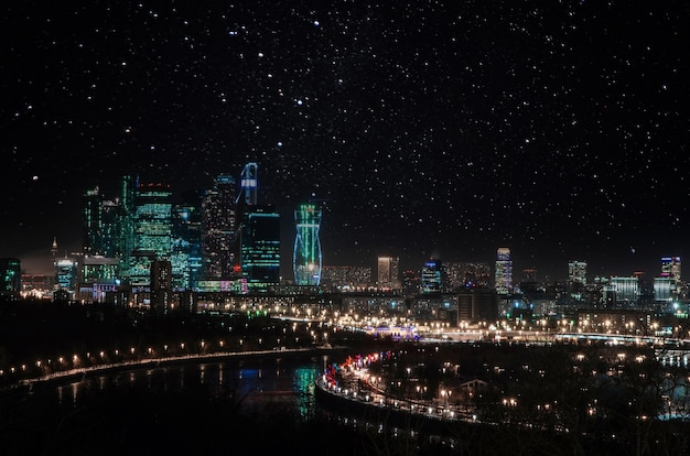 夜の街並みの風景