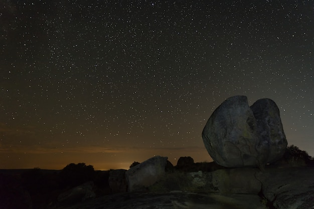 Night photography in the natural area of barruecos. extremadura.
