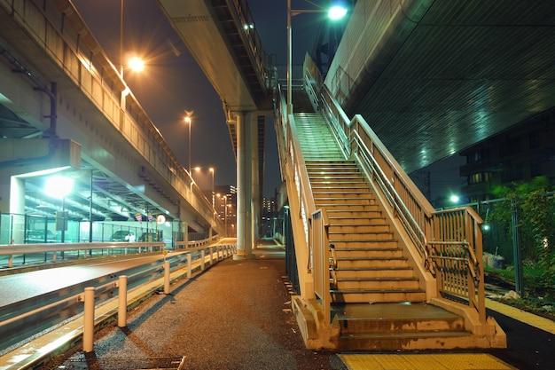 Ночная лестница Premium Фотографии