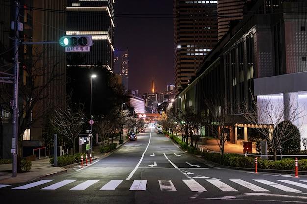 밤 시간 일본 도시 풍경