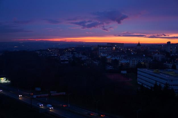 Ночной вид на прагу сверху - закатное небо