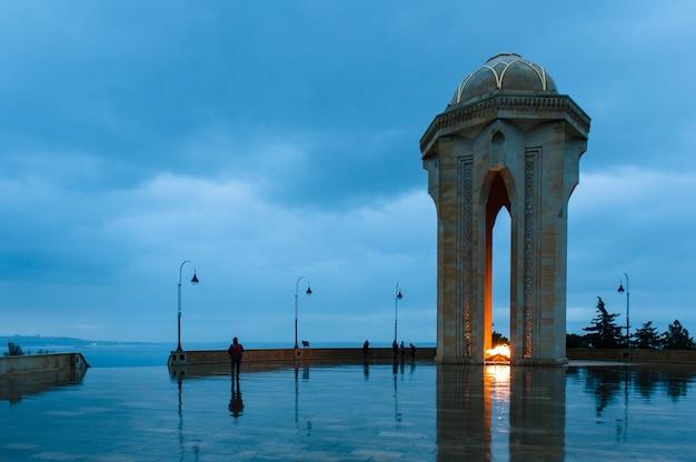 Ночной вид на город баку, азербайджан