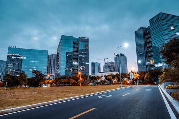 福建省厦門の金融街の夜景