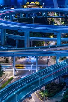 都市景観と都市交通の夜景