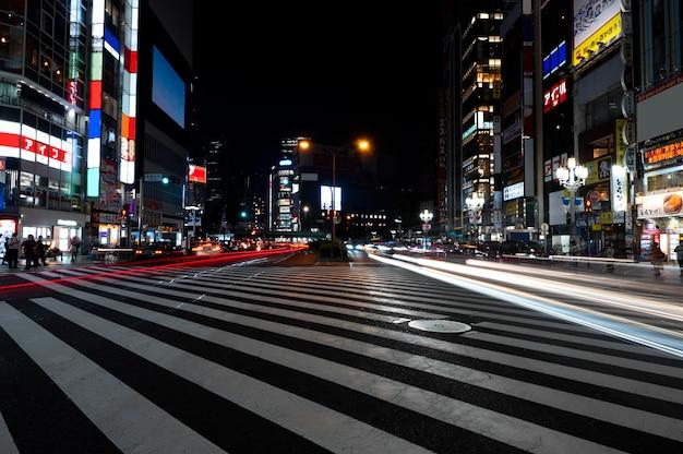 밤의 유흥 도시 빛의 반짝임