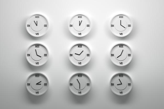 Девять настенных часов с римскими цифрами