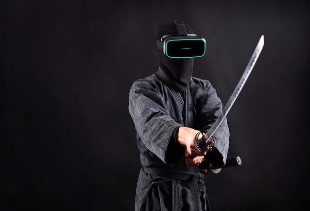 Ниндзя-самурай в очках vr-гарнитуры. концепция игры виртуальной реальности.