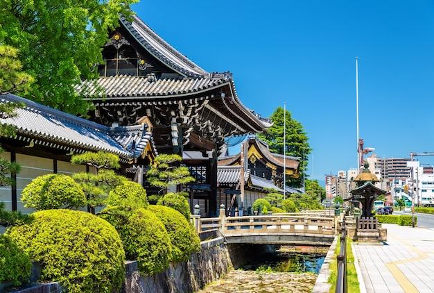 Nishi hongan-ji, a buddhist temple in kyoto, japan