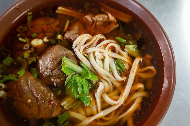 Niu rou mian, тайваньская известная закуска из говяжьей лапши