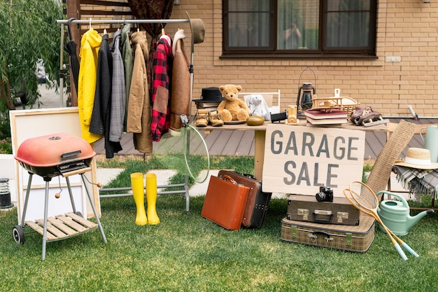 Никто на гаражной распродаже