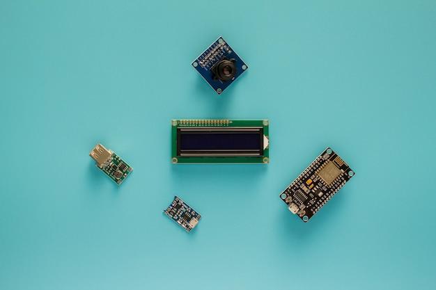 Nodemcu с жк-дисплеем и модулем камеры