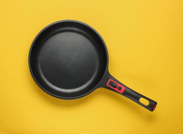 Сковорода с антипригарным покрытием как концепция кулинарного минимализма