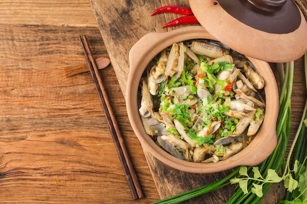 Noodles and razor clam casserole