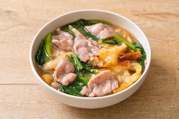 Лапша со свининой в соусе из подливки - азиатская кухня