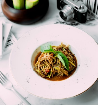 Noodles with vegetables and herbs