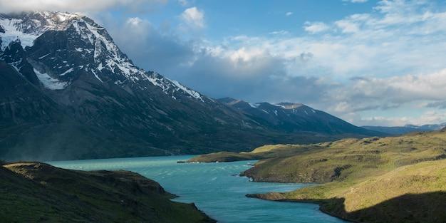 Nordenskjold湖、トレス・デル・ペイン国立公園、パタゴニア、チリ