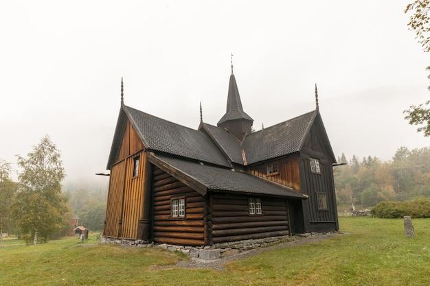 노르웨이의 nore stave 교회 역사적인 목조 교회