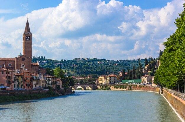 Северная италия, верона, река адидже.