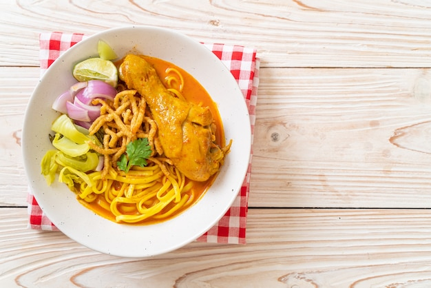 Northern thai noodle curry soup with chicken