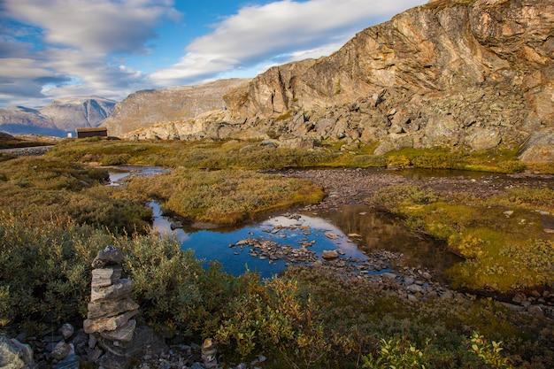 ノルウェーの山の秋の風景