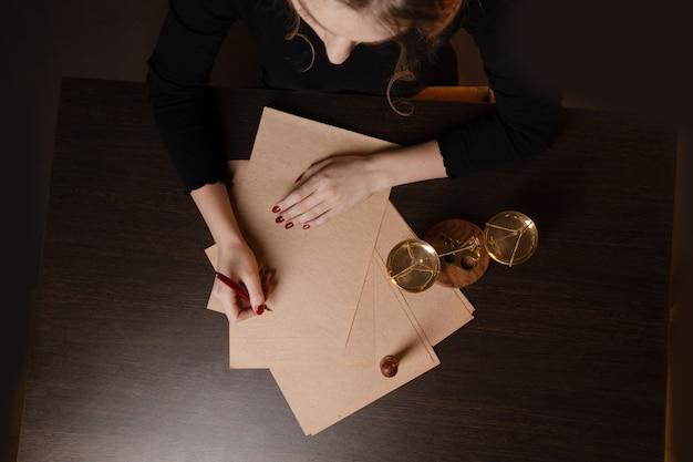 公証人の公証人の遺言と遺言のスタンプ。公証人の公開ツール
