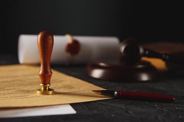 公証人の公証人の遺言と遺言のスタンプ。公証人の公開ツール。