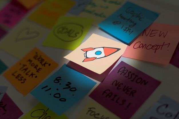 Note memo papers post it and rocket start up icon