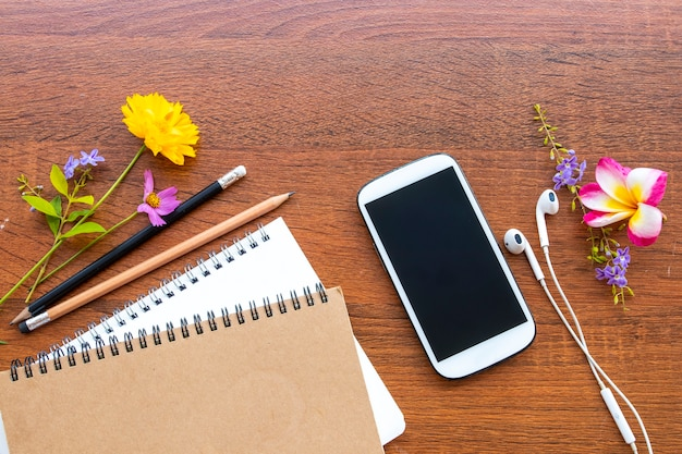 ノートブック、ビジネス向けモバイル