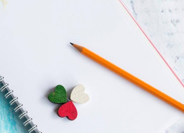 ノートの鉛筆の心