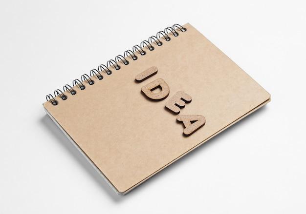 白で隔離される単語のアイデアのノート