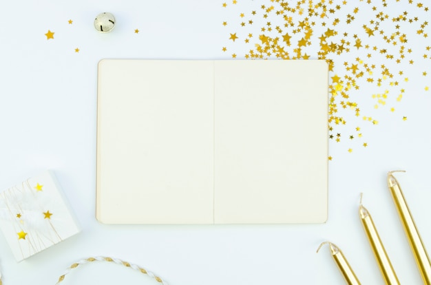 Notepad and accessories with copy space