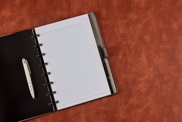 교육, 비즈니스 사무실 작업 공간 사용에 연필로 메모장