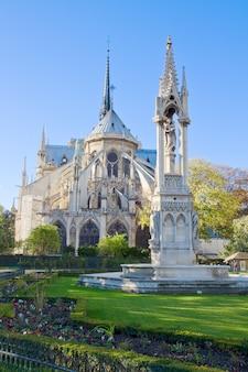 ノートルダム大聖堂教会、パリ、フランス