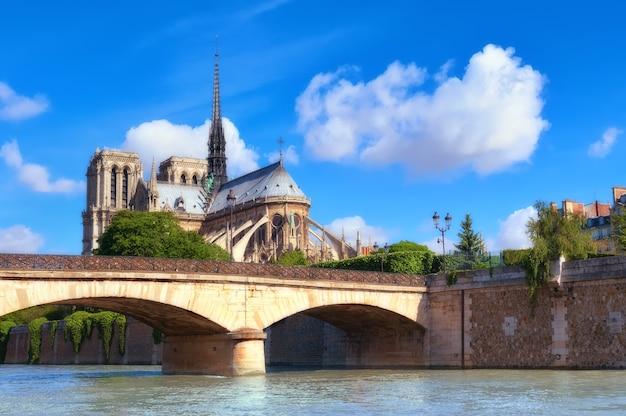 Собор парижской богоматери во франции