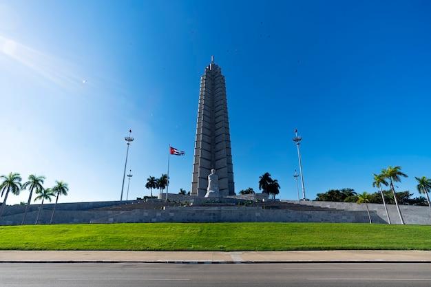 2019年11月27日、キューバのハバナ。ハバナのレボリューションプラザにあるホセマルティメモリアル