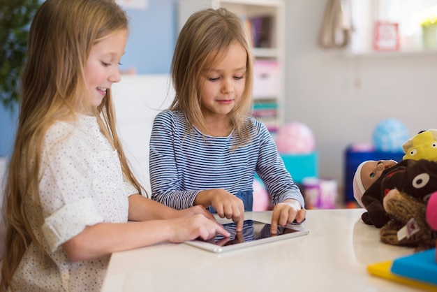 Now children choose electronics instead of toys