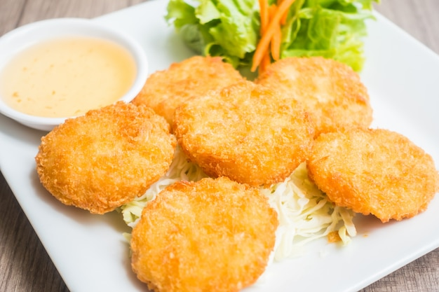 Nuggets with sauce