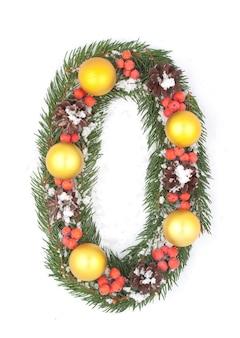 Номер 0 из новогодней еловой ветки и украшений